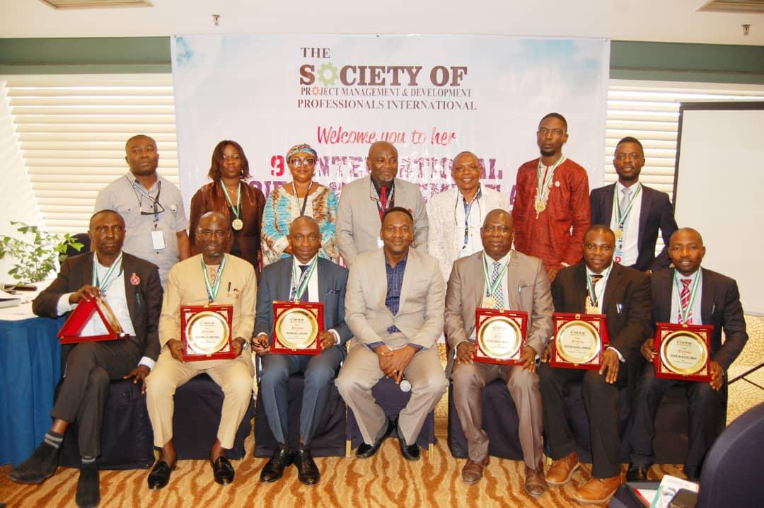 Awardees and Inductees photograph at 9th Summit
